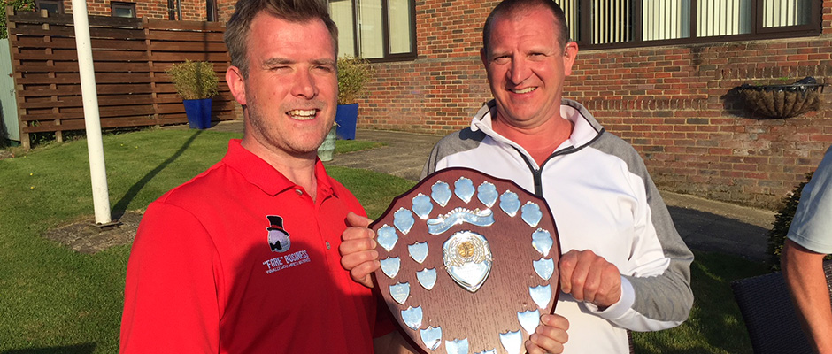 Captain Keith D'Arcy Ryan presenting the Spring Sheild to 2018 Champion Paul 'Harry' Foster